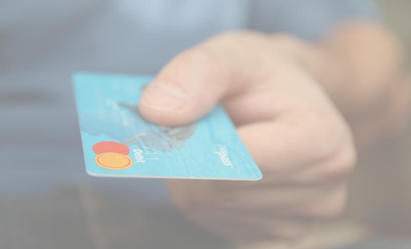 Indépendants : est-on obligé de choisir un compte bancaire professionnel ?